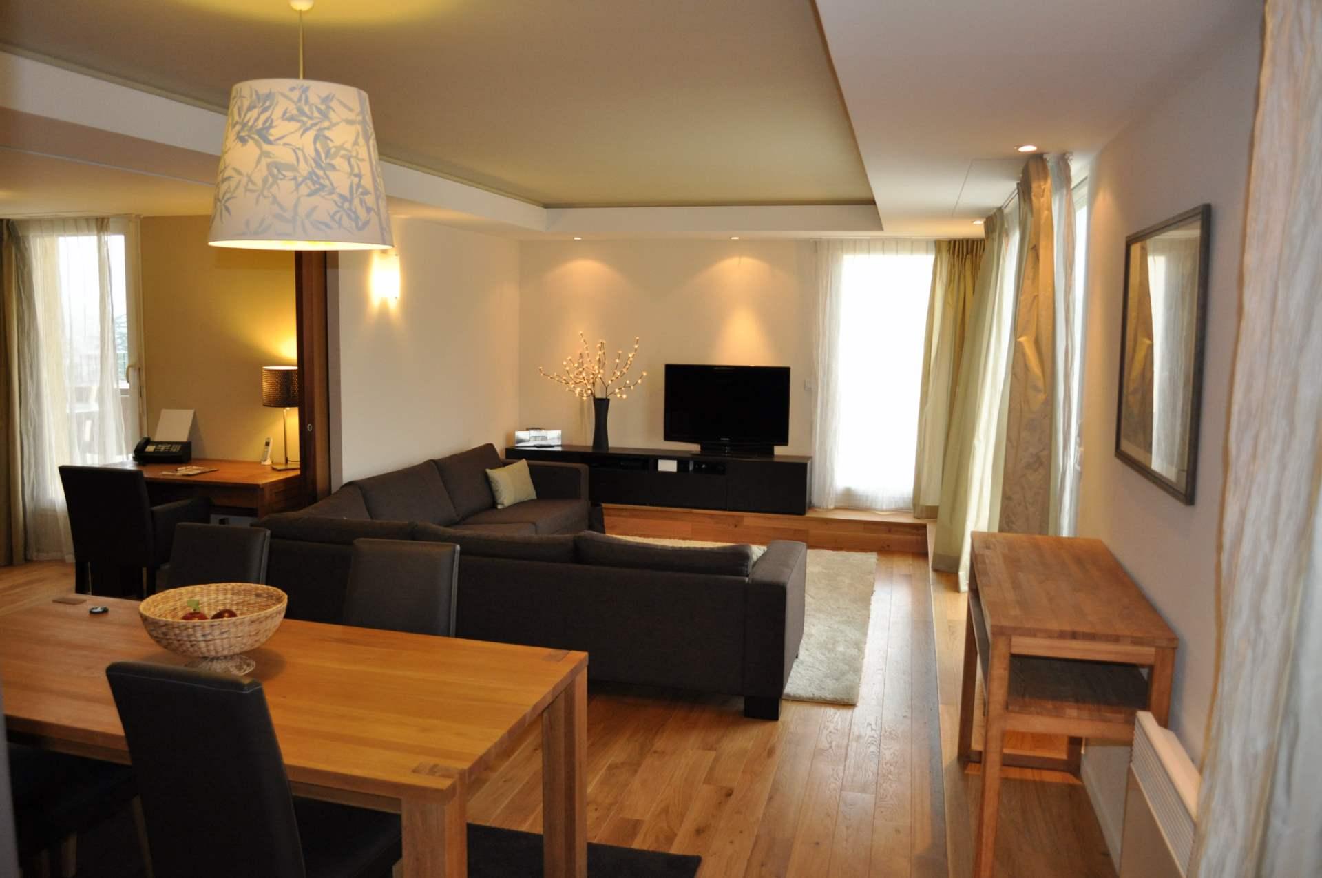 architecte saint maximin am nagement d 39 un appartement. Black Bedroom Furniture Sets. Home Design Ideas