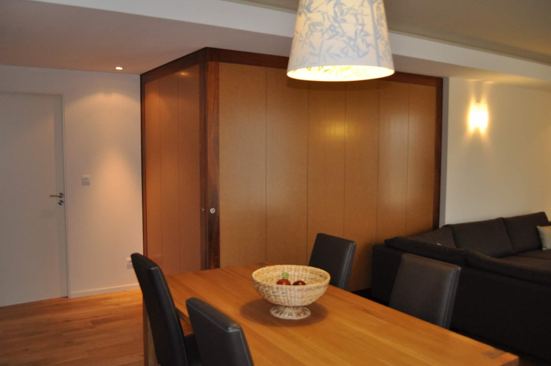 cloison escamotable une cloison amovible entre luentre et le sjour with cloison escamotable. Black Bedroom Furniture Sets. Home Design Ideas