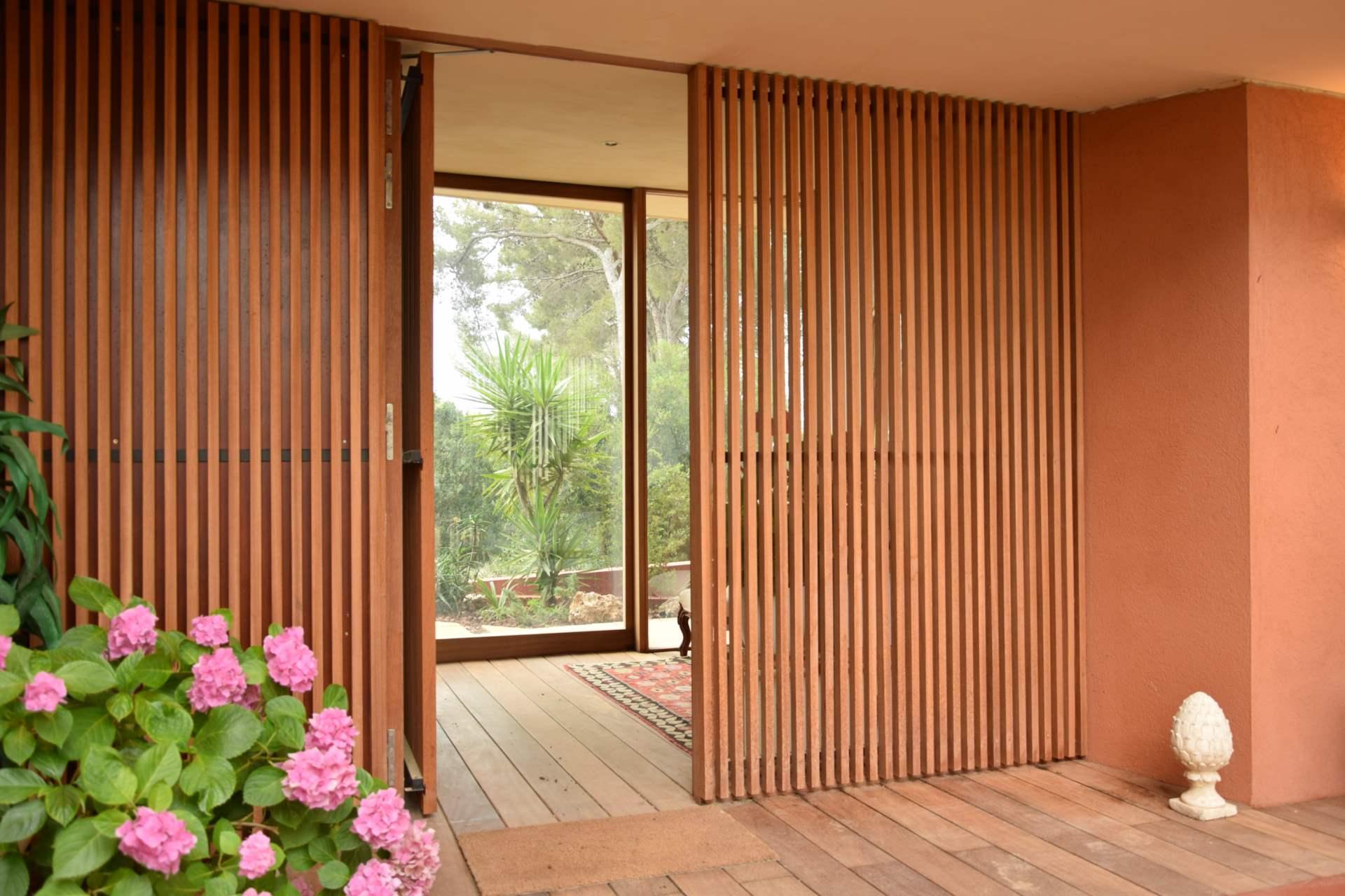 Extension d 39 une maison la seyne sur mer gr gory cugnet for Claustra d interieur
